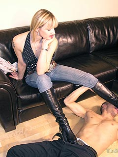 Woman facesitting feet and toes fetish