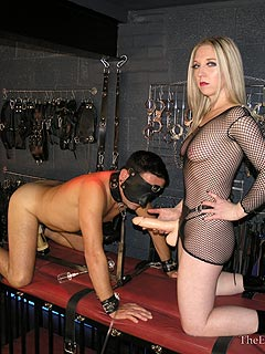 Making male slave suffer with anal fucking machine and strap-on cock in his mouth
