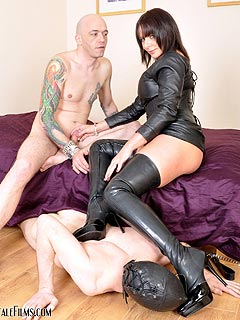 Faceslapping femdom slave facesitting