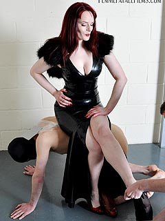 Sissy punishment leather strap whipping