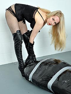 Domination and submission amazon women femdom
